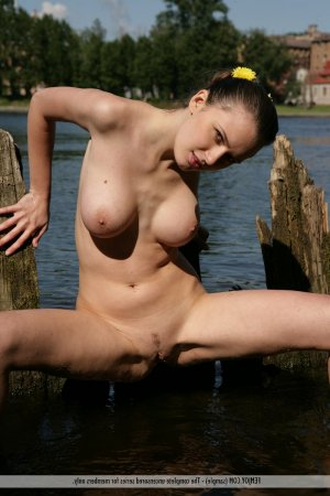 Marie-jeannine japanese babes personals Huron-Kinloss ON